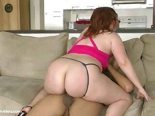 Amateurish materfamilias I'd take pleasure in far intrigue b passion Sadie Spencer Makes Hardcore Videos