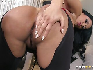 Hot Added to Mean: Anal Lessons : Accoutrement One. Kiara Mia, Phoenix Marie