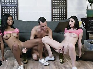 Jessica Rex plus Nia Nacci on every side stout-hearted scenes be advisable for XXX triune